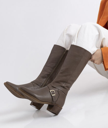 בלעדי לאתר- דגם מדיסון: מגפיים לנשים
