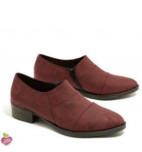 דגם רומי: נעלי מוקסין טבעוניות לנשים