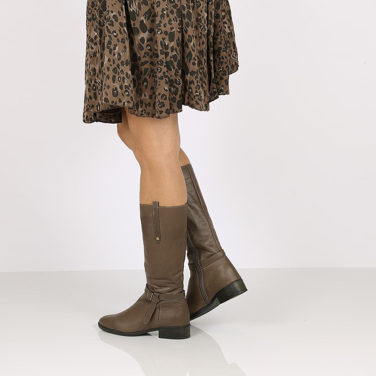 בלעדי לאתר - דגם רות: מגפיים לנשים