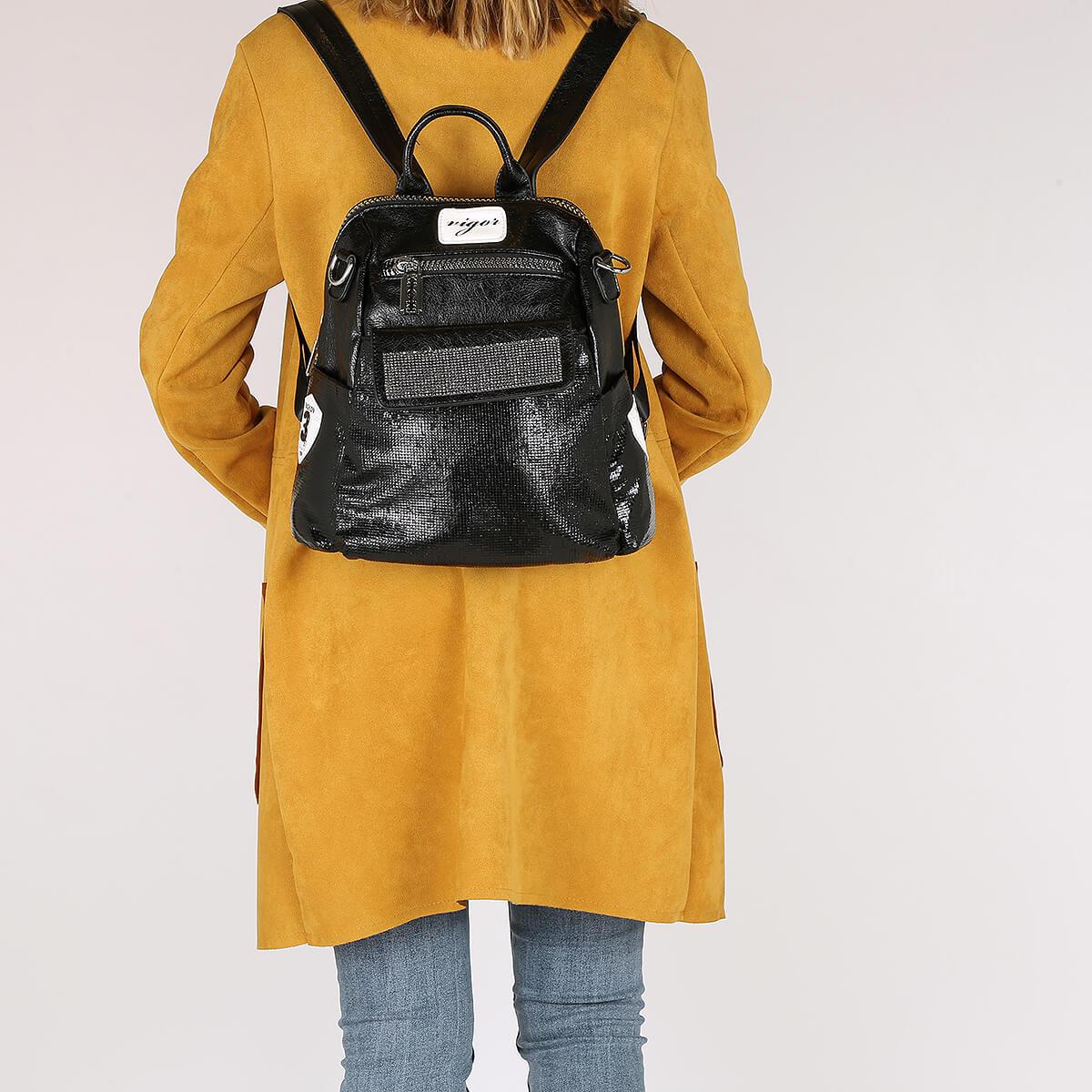 דגם מימי: תיק גב לנשים בצבע שחור