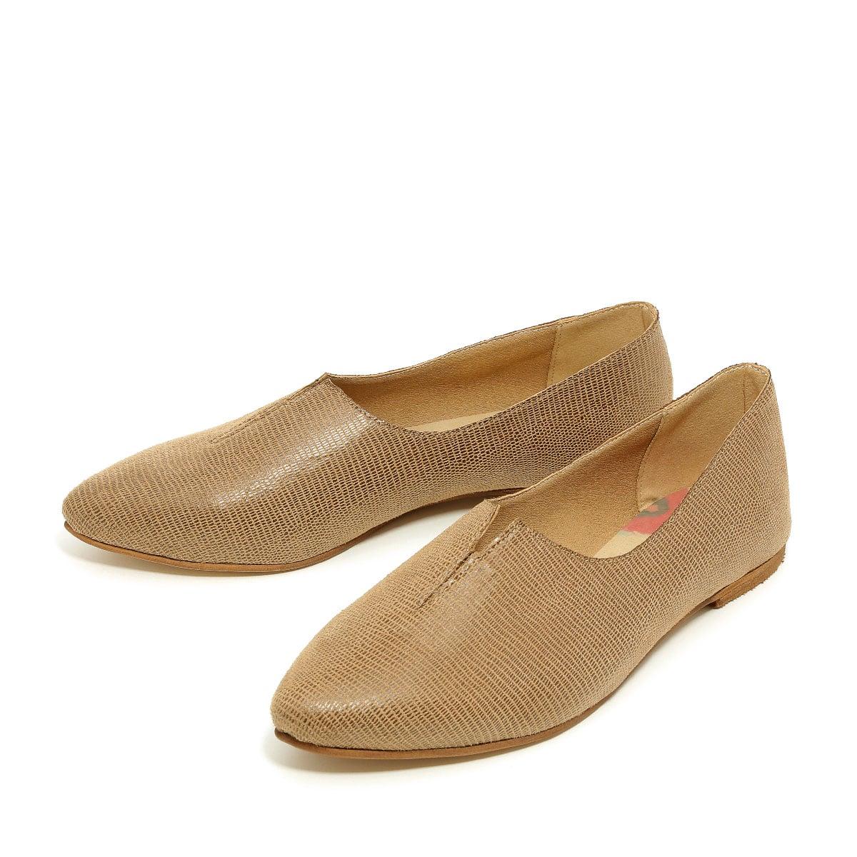 דגם קלואי: נעלי שפיץ טבעוניות לנשים