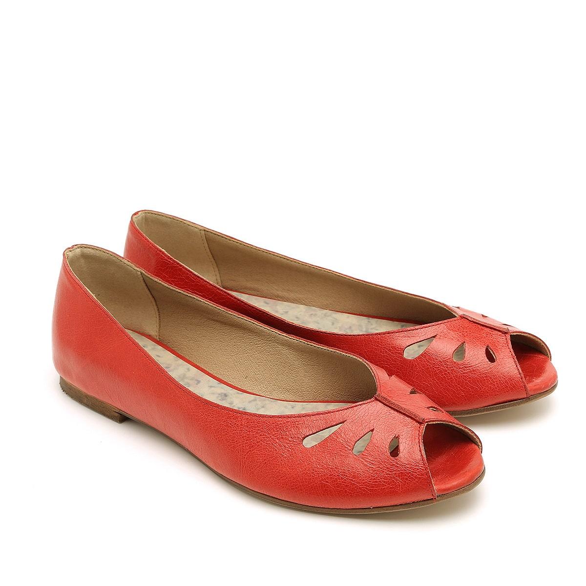 דגם סימון: נעלי סירה לנשים