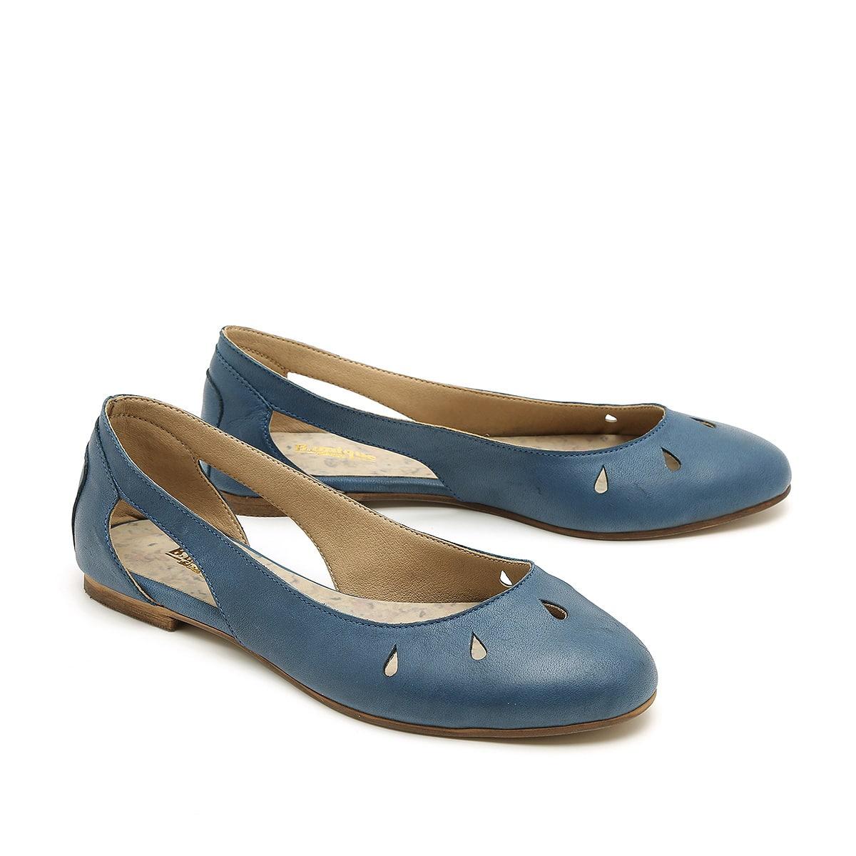 דגם אלי: נעלי סירה לנשים