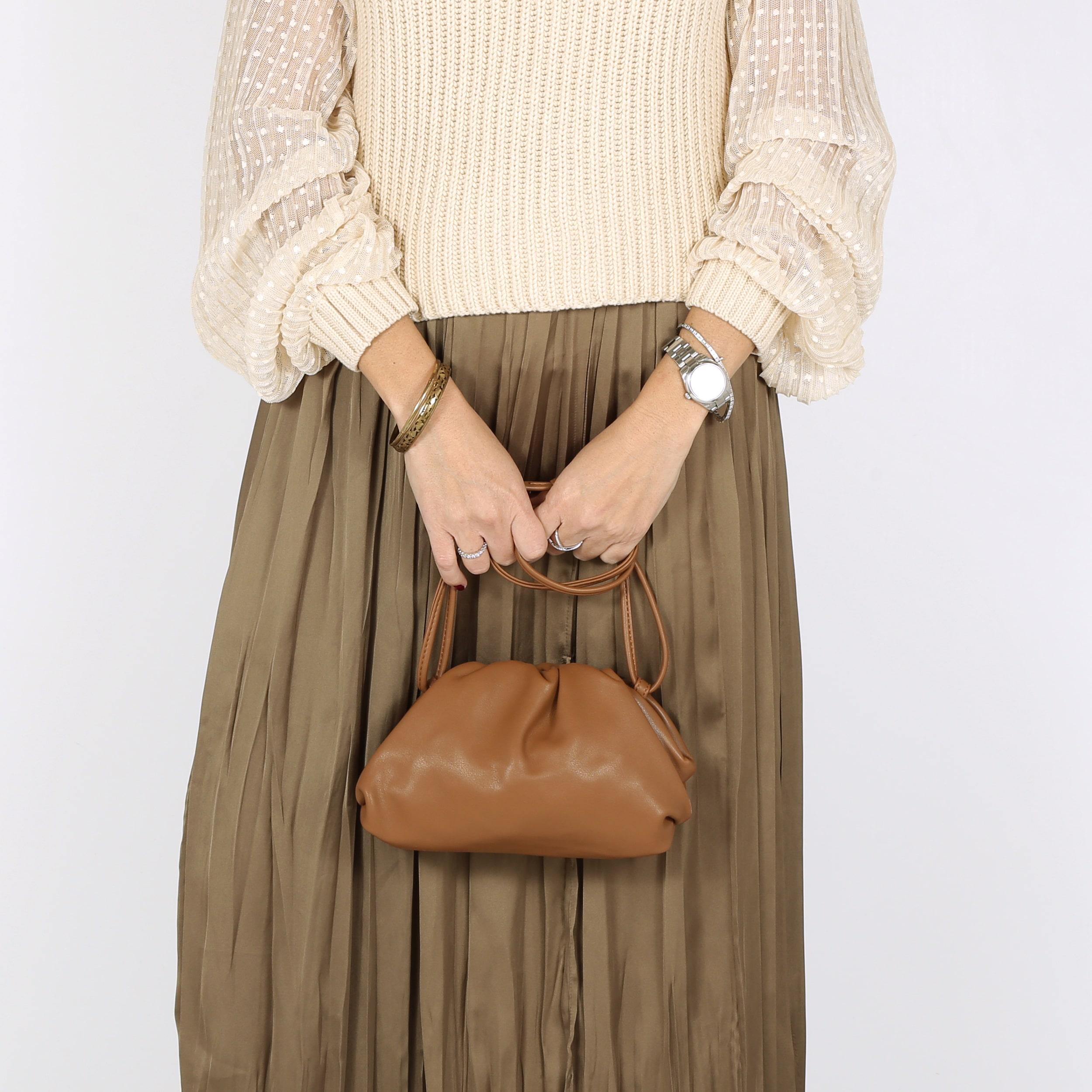 דגם אשלי: קלאץ' לנשים בצבע קאמל