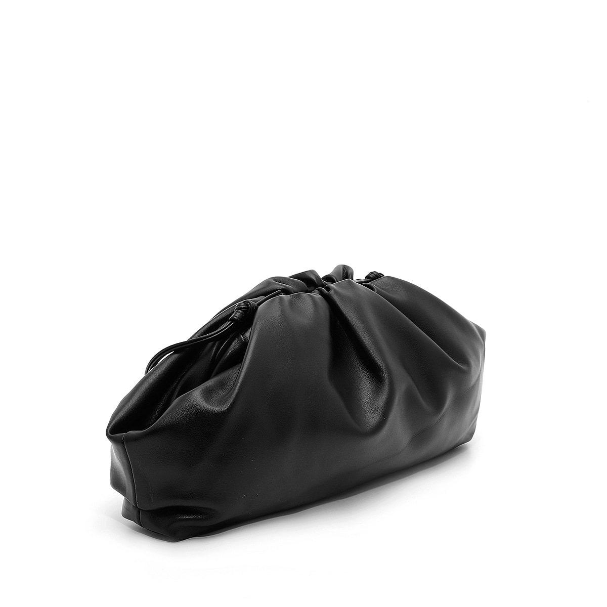 דגם הילי: תיק לנשים בצבע שחור