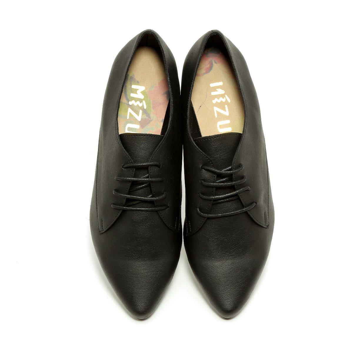 דגם פנלופה: נעלי אוקספורד טבעוניות לנשים