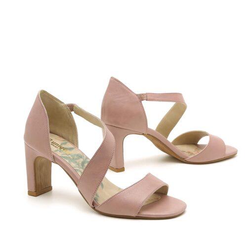 דגם איוונקה: נעלי עקב לנשים