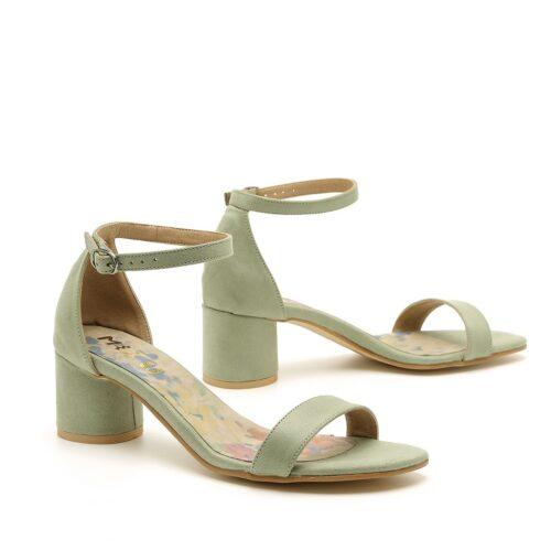 דגם ג'יי: נעלי עקב טבעוניות