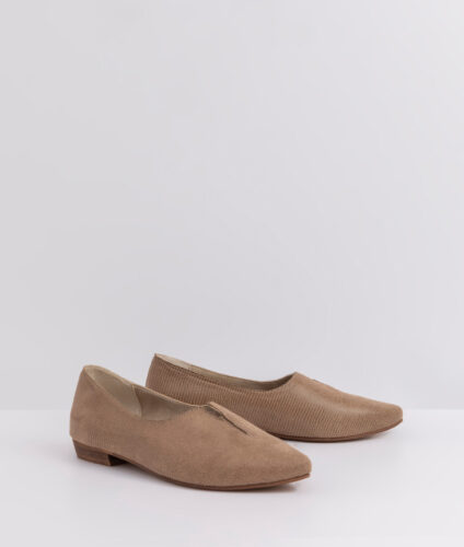 בלעדי לאתר- דגם קלואי: נעלי שפיץ טבעוניות לנשים