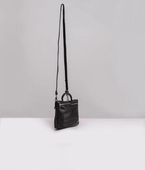 דגם אלה: תיק צד עור לנשים בצבע שחור