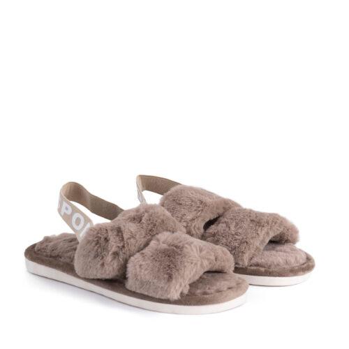 נעלי בית עם רצועות וגומי אחורי בצבע מוקה