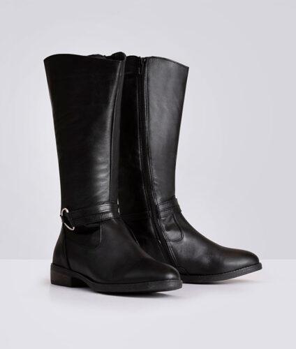דגם סידני: מגפיים בעיטור אבזם