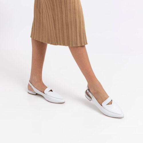 דגם סקוט- נעלי שפיץ עם רצועה ואבזם