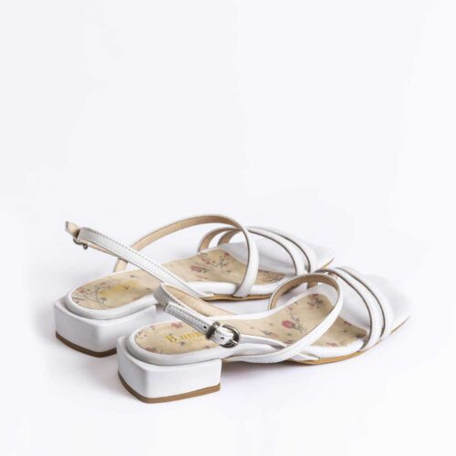 דגם מארה- סנדלים בשילוב רצועות דקות
