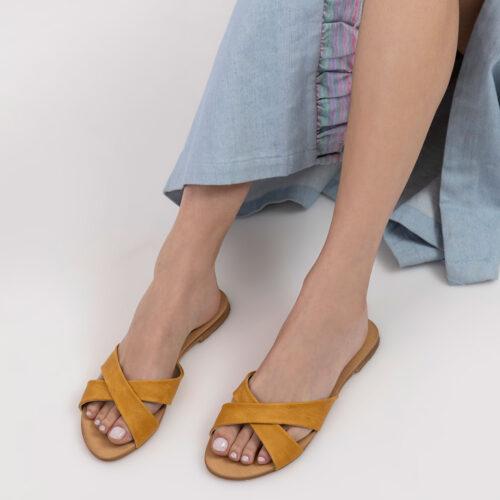 בלעדי לאתר: דגם ג'וזי - כפכפים עם רצועות איקס