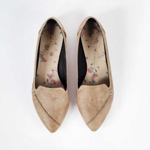 דגם דקלה - נעלי סירה טבעוניות עם חתך במרכז