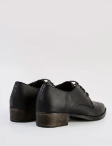 דגם פני- נעלי אוקספורד עם שרוכים